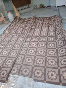 Carpet for sale (almost new condition)