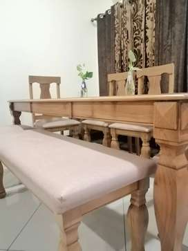 1 month used Dining table and 6 chairs with 2 seater