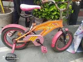 12 t bike ,FOR KIDS AGE 6 , BRAND HERO , URBAN TRAIL, RED ORANGE COLOR