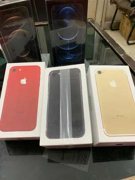 I m selling iphone 8 256gb  with bill 6 month seller warranty