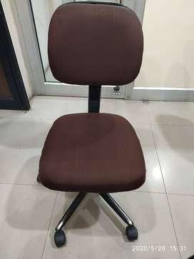 Chair (Revolving)