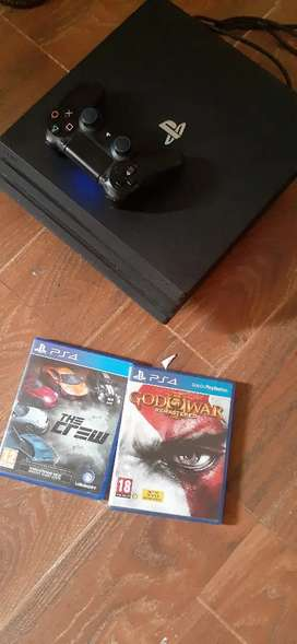 PS4 PRO CONSOLE WITH 2 GAMES FREE