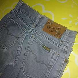 Dijual celana panjang jeans Beverly hills warna grey