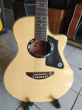 Gitar akustik maple