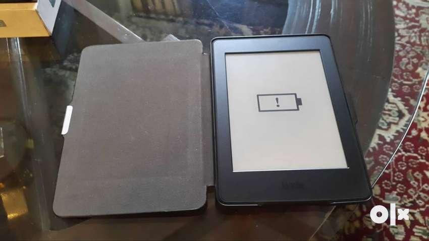 "Working 6"" Amazon Kindle Paperwhite 0"