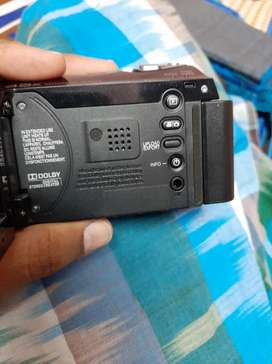 JVC VIDEO CAMERA IN GOOD CONDITION ( RARELY USED )