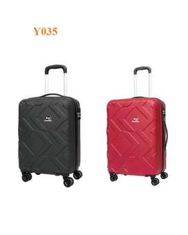 Travelling Bags Kamiliant by American Tourister 78CM Black color Y035
