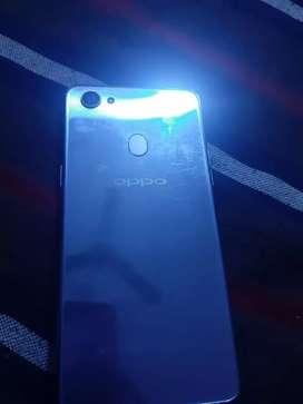 Oppo F7 camera phone