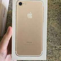 Refurbished Apple I phone 7 model is available with us at best price w