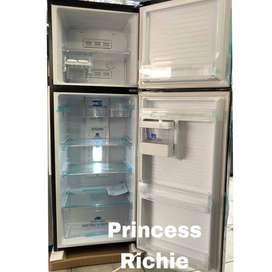Kulkas 2 Pintu Tinggi SANYO AQUA AQRD270 ICE MAKER, Cosmetic Box & LED