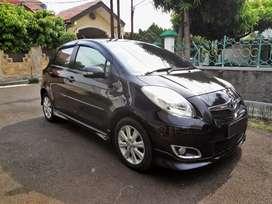 Toyota Yaris S Limited hitam 2011 low KM kondisi istimewa