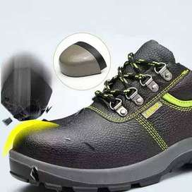 ESD @ Safety Shoes
