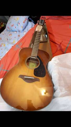 YAMAHA FS-800 acoustic guitar with Solid Top