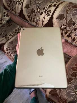 iPad 9.7inch Wifi 32gb gold color