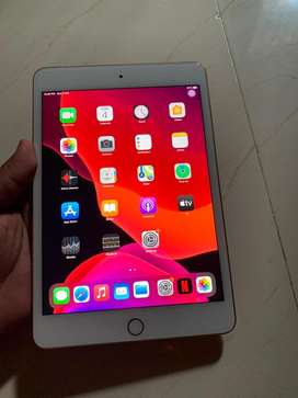 I pad mini 5 wifi + celluer 64Gb brand new condition in warranty
