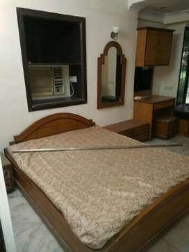Semi furnished Paying guest accommodation available in chembur prime
