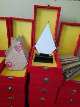 Plakat Aklirik lasercut dengan atau Tanpa Box