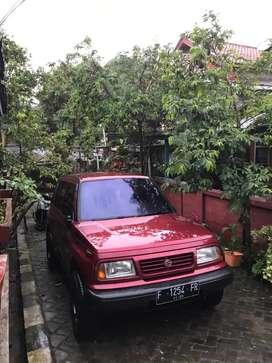 Dijual Mobil Suzuki Escudo Sidekick 1995 pemakaian pribadi