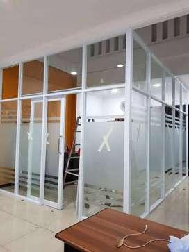 Tukang kaca dan pintu kaca