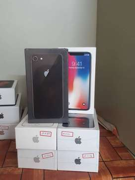 iphone 8 64gb brand new mobile  sealed packd warranty