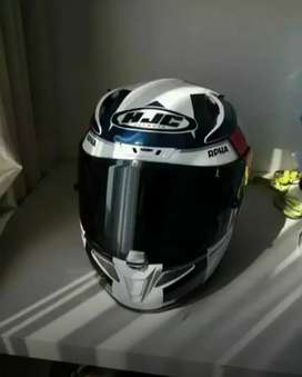 Helm full face hjc rpha 11 ben spies
