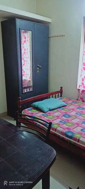 Single bath attached room with car parking for rent at Maradu  BTC rd
