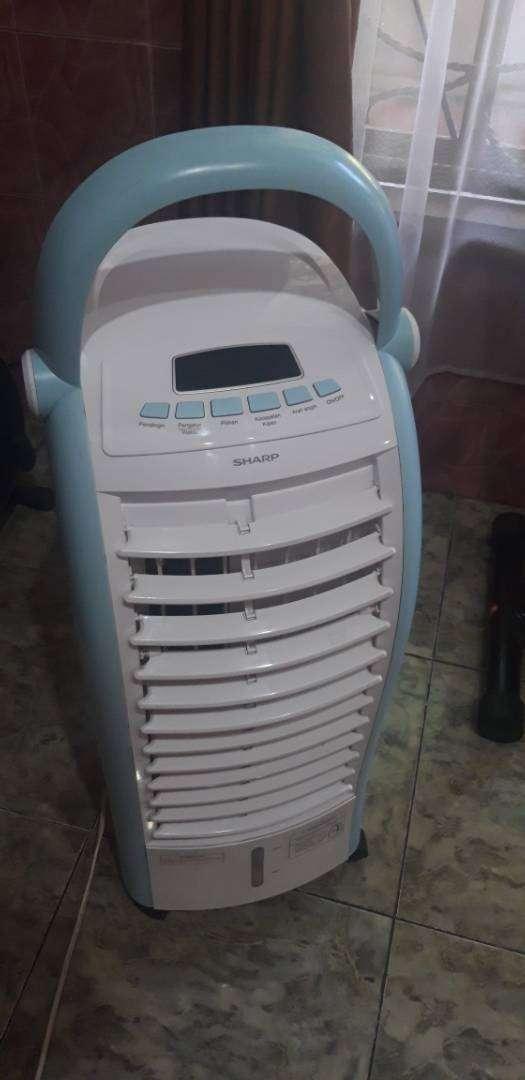 Air cooler sharp ac portable lengkap masih garansi 0