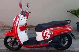 Honda Scoopy merahh putih di djayamotor melayanj cash dan kredit