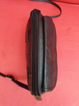 Tas import eks fashion hitam mini sling kulit asli tebal lentur cute