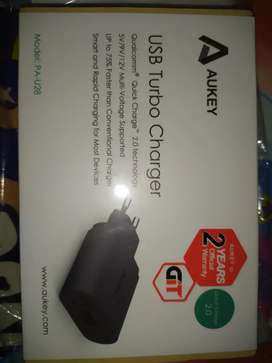 Kepala Charger Aukey PA-U28 Quick Charge Baru Segel Original