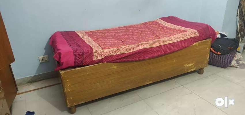 "Single box bed 4""/6Ft 0"