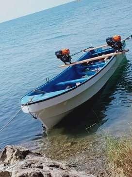 Brind new 23 ft boat with to engine price 325000