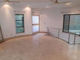 HOUSE FOR RENT IN DHA LAHORE
