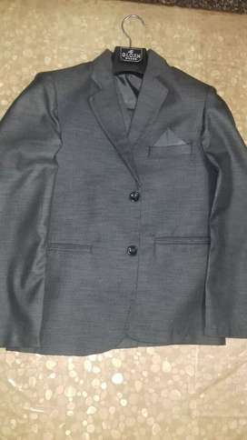 3pcs suit in brand new condition