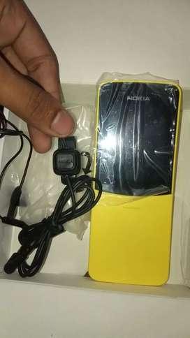 Nokia 8110 4g keypad phone gud condition