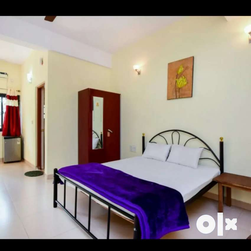 Room available in guest house at Candolim main beach road 0