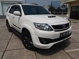 Toyota fortuner VNT TRT Limited 2015/16 4 camera automatic