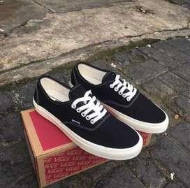Sepatu vans authentic black white premium