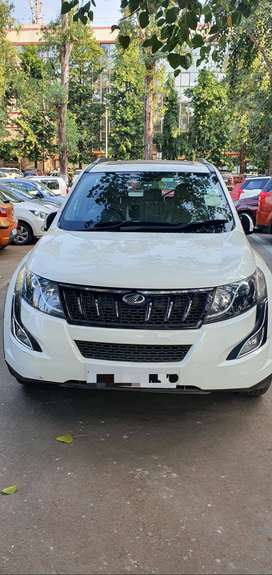 Company maintained XUV 500 W10 with Sun Roof