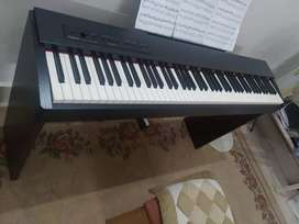 Digital piano Roland f20  just a year old