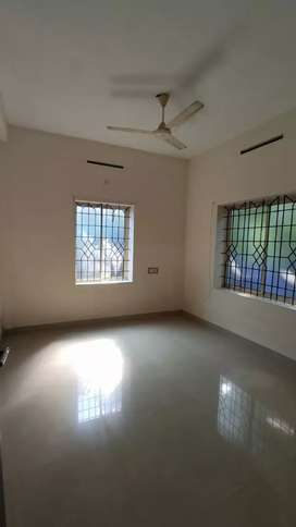 3 Bhk well maintained flat for sale near KSRTc stand.chalakudy