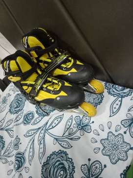Black-and-yellow Inline Skate