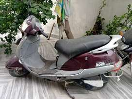 Good condition Maroon nova scooty