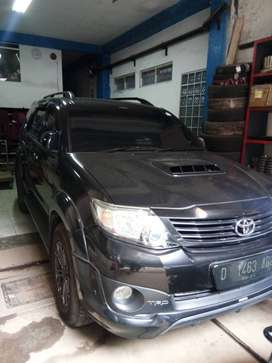 Fortuner G turbo disel automatic 2014