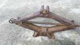 Scissor Type Jack Lift Capacity (700kg) fix price