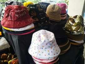 Topi Bucket Berbagai Warna dan Motif