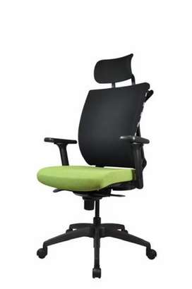 Office chairs available in wholesale Rates