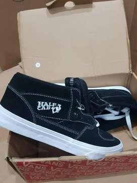 Jual sepatu BNIB Vans Half cab original murah