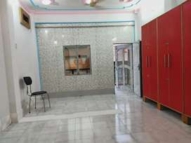 FOR RENT CENTRE POINT: 3 Storey Commercial Building