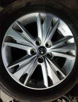Innova crysta alloy wheels
